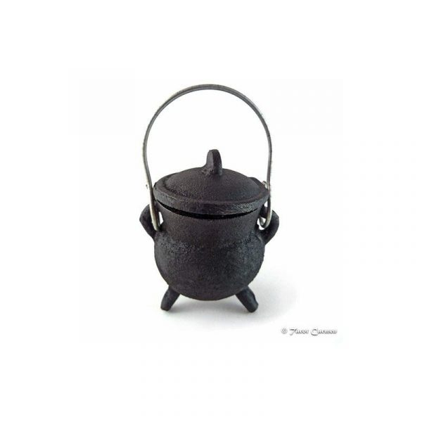 Caldero negro de hierro fundido